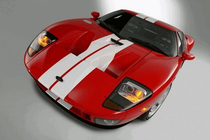 2005 Ford GT 13