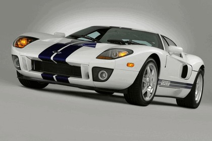 2005 Ford GT 15