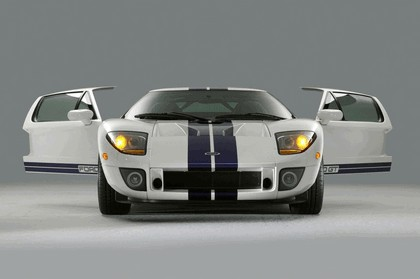 2005 Ford GT 16