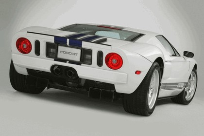 2005 Ford GT 18