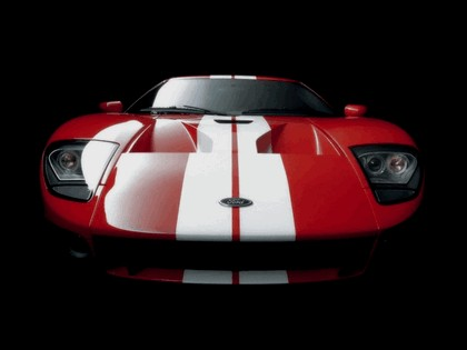 2005 Ford GT 38