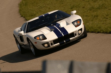 2005 Ford GT 43