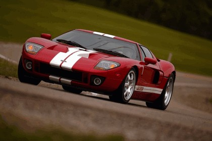 2005 Ford GT 64