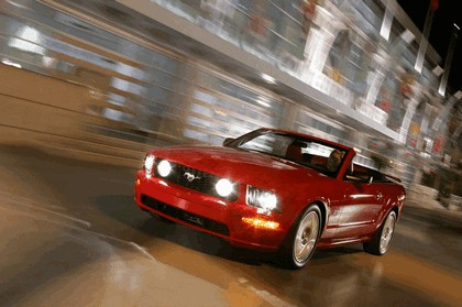 2005 Ford Mustang convertible 6