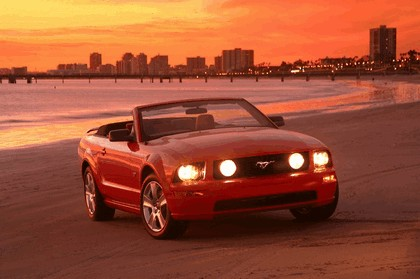 2005 Ford Mustang convertible 8