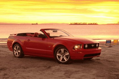 2005 Ford Mustang convertible 9