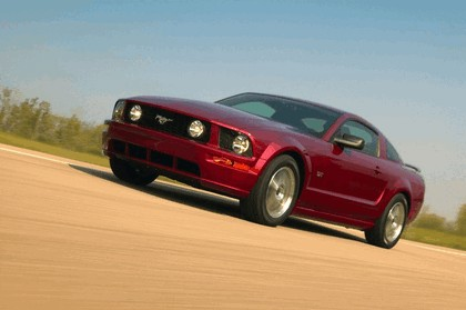 2005 Ford Mustang GT 1