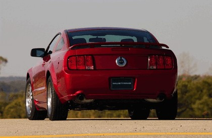 2005 Ford Mustang GT 6