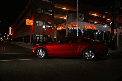 2005 Ford Mustang GT 13