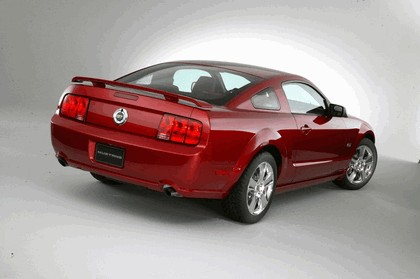 2005 Ford Mustang GT 25