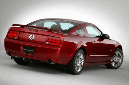 2005 Ford Mustang GT 26