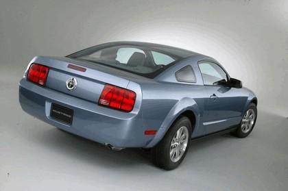 2005 Ford Mustang V6 2