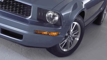 2005 Ford Mustang V6 5