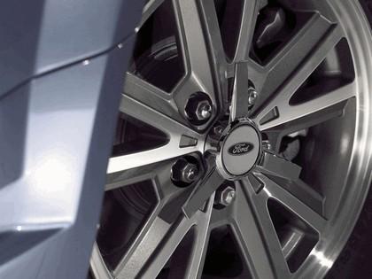 2005 Ford Mustang V6 6