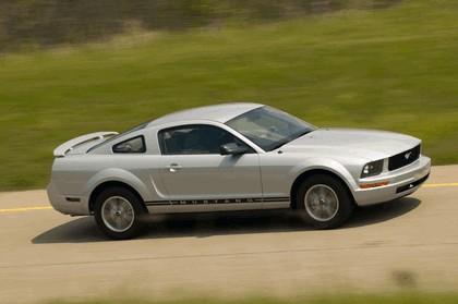 2005 Ford Mustang V6 10