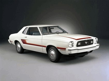 1977 Ford Mustang coupé 2