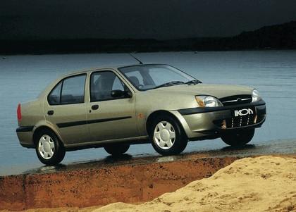 2000 Ford Ikon 2