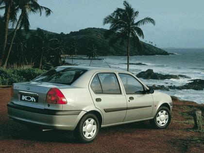 2000 Ford Ikon 3