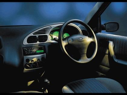 2000 Ford Ikon 6