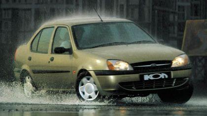 2000 Ford Ikon 8