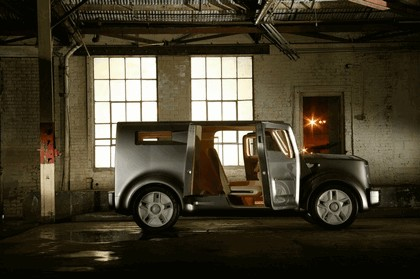 2005 Ford SYN concept 18