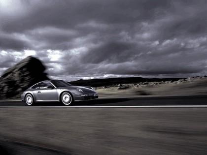 2005 Porsche 911 Carrera S 21