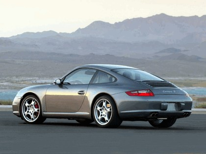 2005 Porsche 911 Carrera S 31