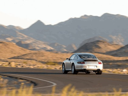 2005 Porsche 911 Carrera S 33