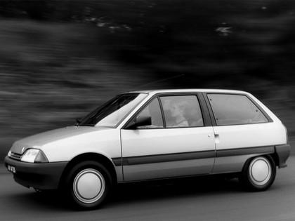 1986 Citroën AX 3-door 22