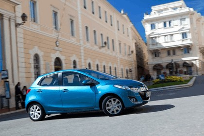 2010 Mazda 2 28
