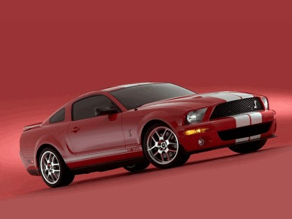 2005 Ford Mustang Shelby GT500 Cobra 13