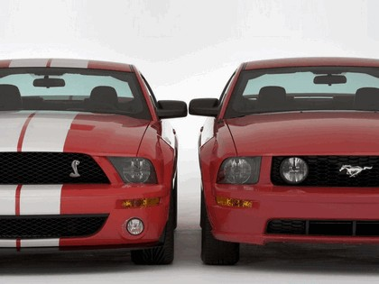 2005 Ford Mustang Shelby GT500 Cobra 16