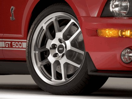 2005 Ford Mustang Shelby GT500 Cobra 21