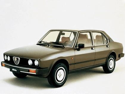 1982 Alfa Romeo Alfetta 2.0i Quadrifoglio Oro 1