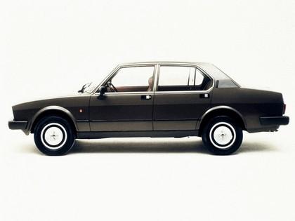 1982 Alfa Romeo Alfetta 2.0i Quadrifoglio Oro 2