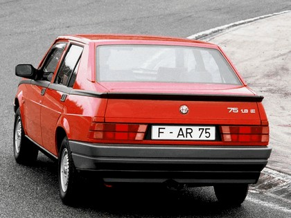 1988 Alfa Romeo 75 ( 162 ) 5