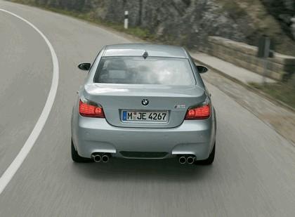 2005 BMW M5 2