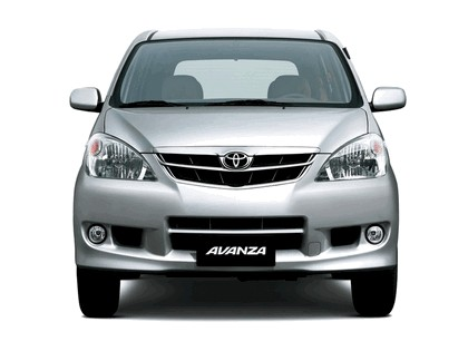 2003 Toyota Avanza 1