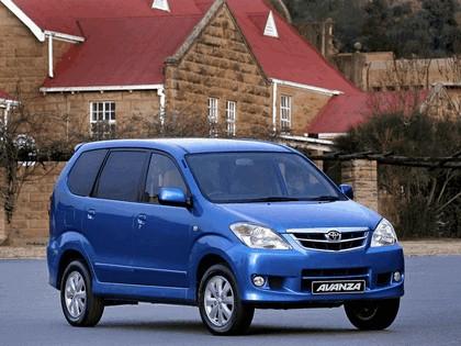 2003 Toyota Avanza 4