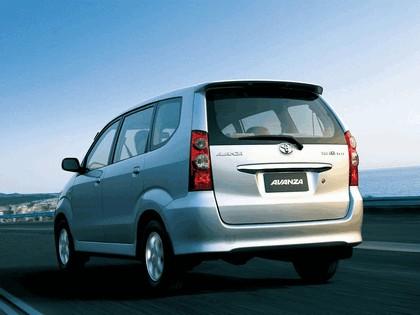 2003 Toyota Avanza 7