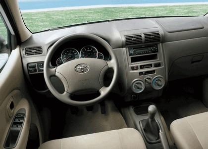 2003 Toyota Avanza 9