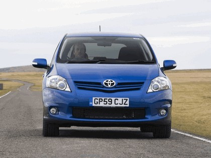 2010 Toyota Auris - UK version 13