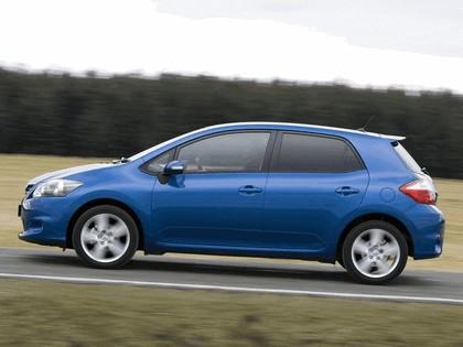2010 Toyota Auris - UK version 18