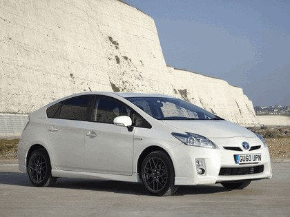 2010 Toyota Prius - 10th Anniversary Limited Edition 1