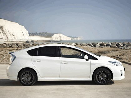 2010 Toyota Prius - 10th Anniversary Limited Edition 2