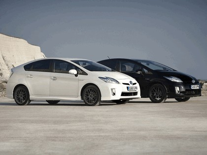 2010 Toyota Prius - 10th Anniversary Limited Edition 4