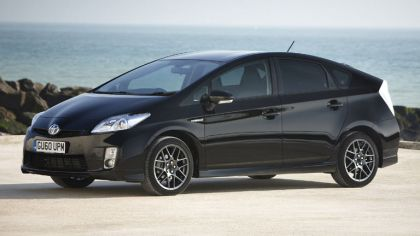 2010 Toyota Prius - 10th Anniversary Limited Edition 5