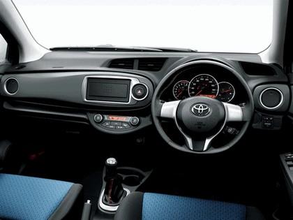 2010 Toyota Vitz RS 5