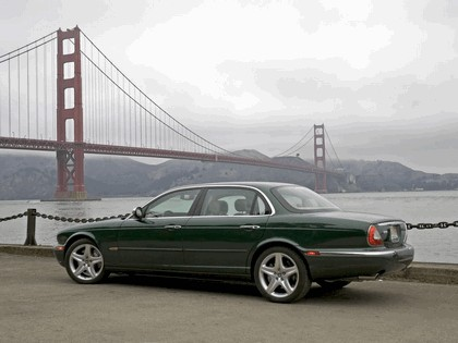 2005 Jaguar XJ Super V8 2