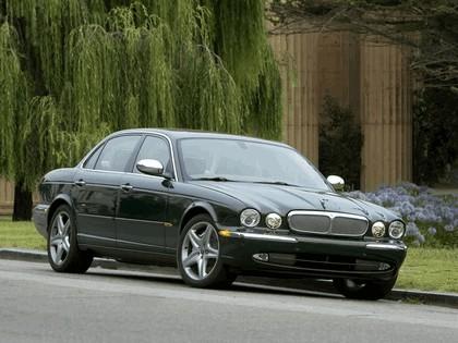2005 Jaguar XJ Super V8 6